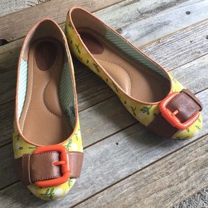 Fossil floral flats